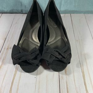 NEW Dexflex black peep toe w/ kitten heel. 7 1/2
